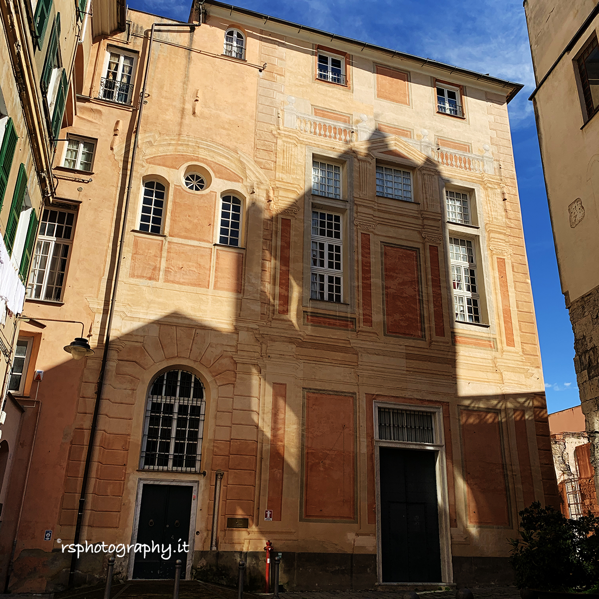 Genova e la Liguria sono meravigliose – Centro Storico – sestiere del Molo